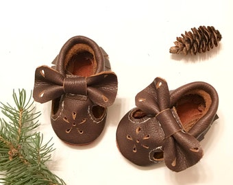 Bow Mary Janes, Brown T-strap Bow Moccasins,  Distressed Brown Baby Moccasins, Brown Bow Moccasins, Soft Suede Sole shoes
