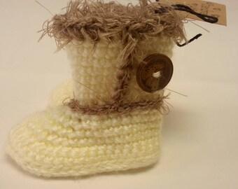 Stylish infant crochet girl boots.