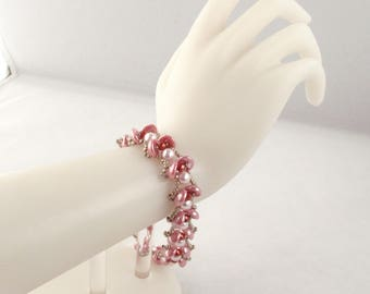 Waterlily Bracelet in Pink with Self Bead Clasp