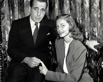 Humphrey Bogart and Lauren Bacall in May 1945 - 5X7, 8X10 or 11X14 Publicity Photo (AZ192)