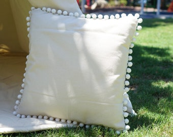 Pompom pillow cover with nature unbleached canvas