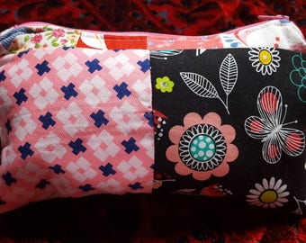 Zpper pouch, patchwork pouch, makeup bag, toiletry storage, cosmetic case, pink pouch, lined zip pouch, pink patchwork bag