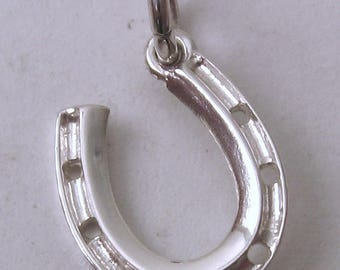 Genuine SOLID 925 STERLING SILVER Horse Shoe Good Luck charm/pendant