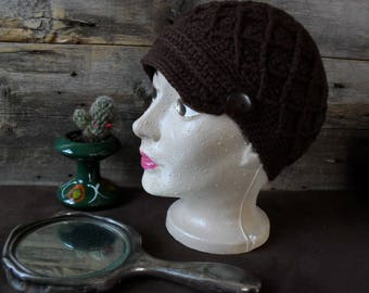 Crochet Beanie made with wool, sporty style, for adult.