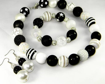 Black & White 3 Piece Assorted Pearl Set