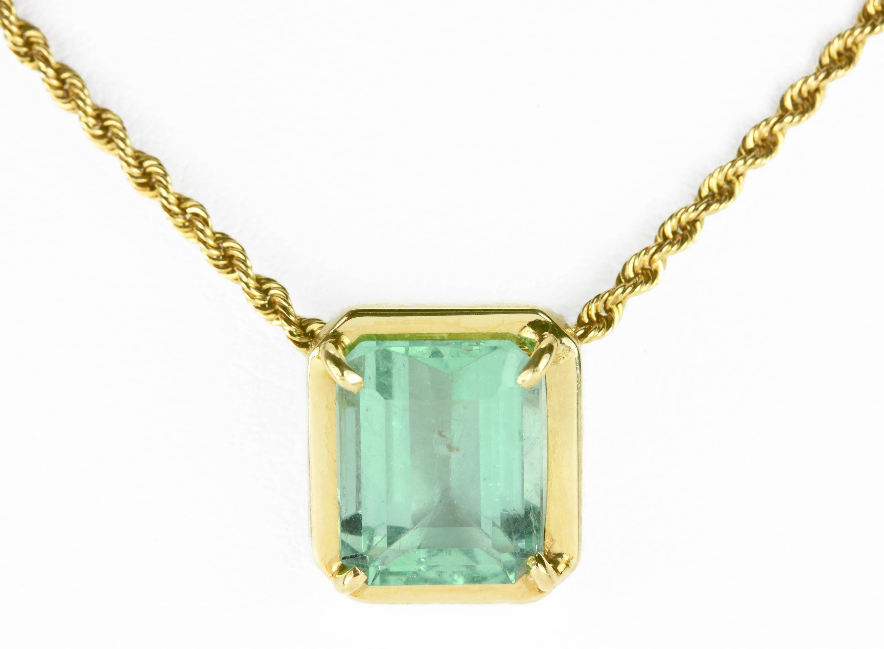 jp emerald carat pin stone with chain pendant in gold tw three