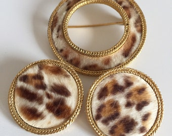 Vintage BSK Faux Leopard Fur Print Circular Gold Tone Brooch Pin & Earrings, BSK Demi Parure Set