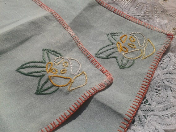 2 Victorian Green Linen Tea Napkins French Hand Embroidered Handmade #sophieladydeparis