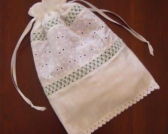 Purse, Reticule, Handbag, Drawstring bag, white lace, quinceanera, sweet sixteen