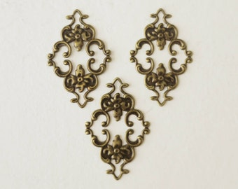 3 pcs Antique Bronze Tone Filigree Floral Connector Blank 25 x 23mm Floral Flower Charm Links Vintage Jewelry Accessories Findings