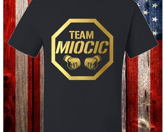 Team Miocic MMA Champion Fighting Men's T-Shirt