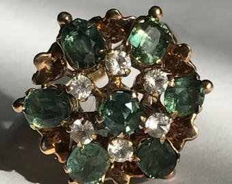 Large Green Sapphire ring in 18ct Gold
