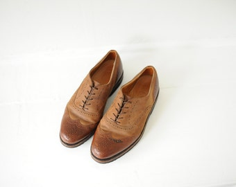 Vintage Cole Haan Two Tone Brown Leather Wingtip Oxfords, Mens 8 / ITEM182