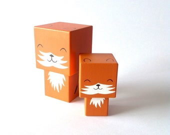 """Figurine cubique en bois décorative """"Renard""""- peinte à la main (taille S)"""