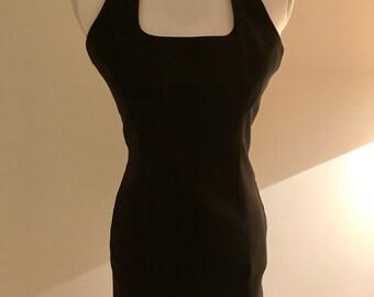 Das perfekte kleine schwarze Kleid!