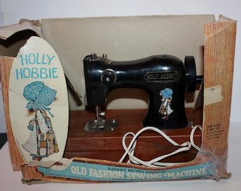 Vintage Holly Hobbie Battery Operated Sewing Machine 1975