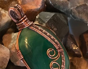 B0012 Green Agate Gemstone in Hand Crafted Cage