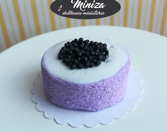 Miniature cake with blueberries, 1:12 scale