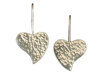 Heart silver earrings, Valentines earring, plain heart, hammered jewelry, simple earring, short dangle hearts, minimal drops, women gift