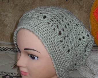 bonnet vert d'eau au crochet