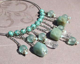 Gemstone and lucite choker.Verdigris and serpentine choker.Lucite and swarovski crystals.Turquoise. Mint alabaster.