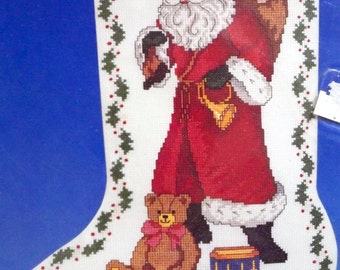 Vtg Counted Cross Stitch Kit~SANTA+TOYS Xmas STOCKING~Dimensions~Mint in Package mip~St. Nick
