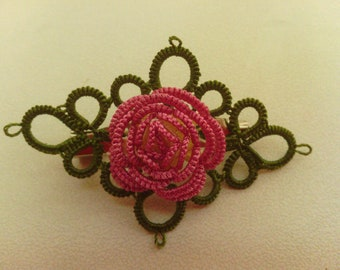 Tatted brooch Rose in pink