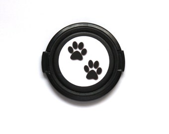 2 paw prints camera lens cap for Canon, Nikon, Fuji, Sony etc. DSLR, Photography gift, photographers gift. Free shipping in North America.