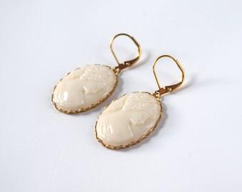White Cameo Earrings, Regency Glass Cameo Dangle Earring, Regency Jewelry, Vintage Cameos, Ivory Glass Cameo, Romantic Jewelry Wedding Cameo
