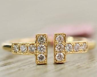 Diamond T-Ring in Yellow