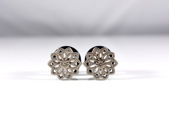 Pretty Silver Poinsettia Flower Plugs - Available in 0g, 00g, 7/16in, and 1/2in