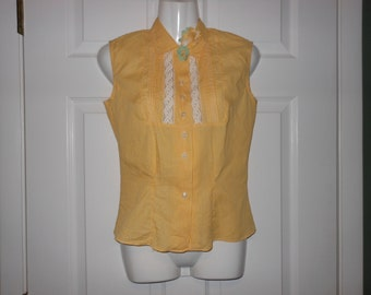 50s Sweet GLAMOUR Label BLOUSE Cute GINGHAM Checker Yellow w Fabric Flower Pin Up Girl Retro Sleeveless Mad Men Betty Semi Sheer Vintage 32