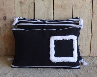 woven cushion and tufted handmade 40 X 60, 100% cotton, supportive product