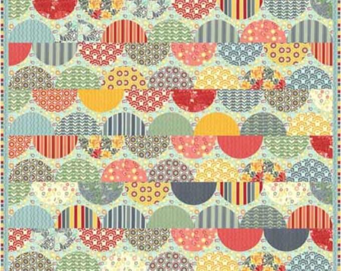 Clam Shells a pre cut layer cake, machine applique, patchwork, circle, pdf quilt pattern