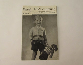 Vintage (1940s) Weldons knitting leaflet, Boy's Cardigan, Sizes 2-4 and 4-6 years.