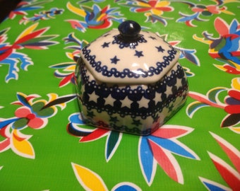 Vintage hand painted Boleslawiec lidded container or trinket box- Poland