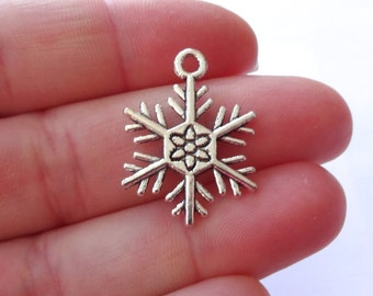 10 Snowflake Charms 21.5x21.5x2mm ITEM:AH1