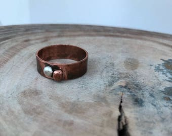 Copper wide ring. Chunky copper ring with sterling silver and copper pebbles. Mens ring. Thumb ring. Rustic patina pure copper. UK V ONLY