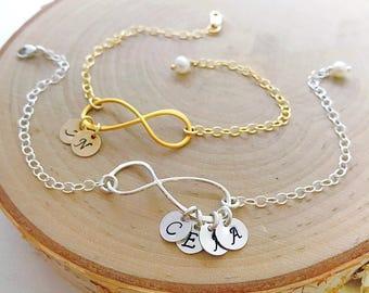 Initial bracelet, PERSONALIZED infinity bracelet, friendship bracelet, Custom mothers bracelet, Letter charm bracelet, sisters
