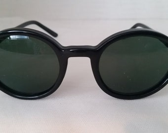 Vintage Almost Round Black Plastic Sunglasses. Very Small Round Frames.  Almost circle Black Sunnies. Green Lenses Cute Small Almost Round.