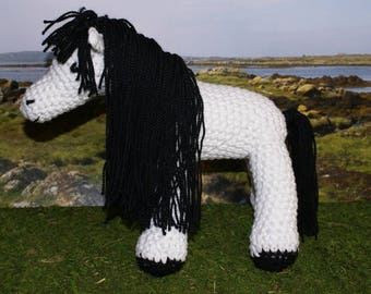 Connors, crocheted black and white horse