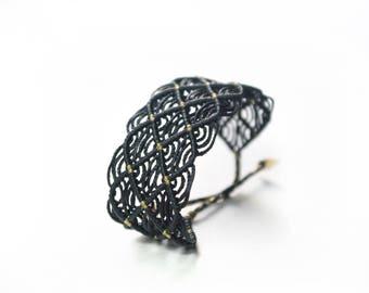 black macrame bracelet - lace bracelet - boho bracelet - adjustable size !