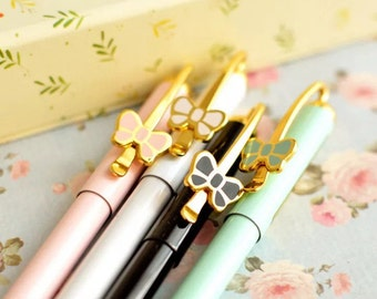 Classic ball pen with little ribbon