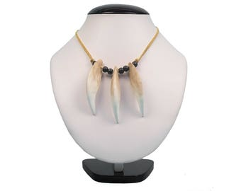 Realistic Bear Tooth Necklace: 3-tooth (560-203)