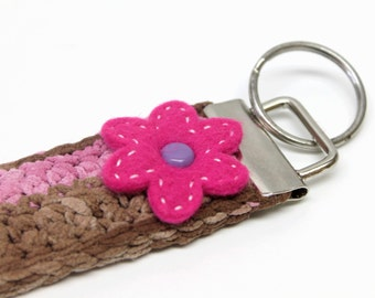 Pink/brown crocheted key chain/keyfob,pink felt flower applique,brown keychain,keyfob,brown floral keychain/keyfob,pink felt flower