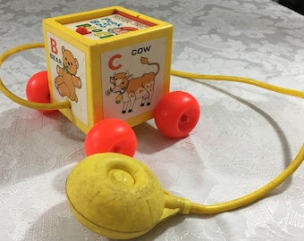 Vintage 1970 Fisher Price Peek - a -Boo Block Pup up