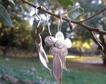 Floral Earrings, Silver Flower Earrings Gifts For Her, Flower and Leaves Sterling Silver Earrings, Spring Jewelry, Silver Leaves Earrings