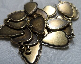 """Vintage gold plate brass stamped strawberry charms,3/4""""x1/2"""",18pcs-CHM234"""