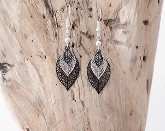 Dangling earrings with filigree leaves (or feathers) prints (BO185)