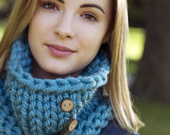 Knitting Pattern - Chunky Cowl, Scarf // Love is All Around